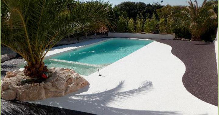 Allée-revêtement-de-marbre-blanc