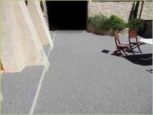 patio-terrasse-resine-couleur-bardiglio-chiaro