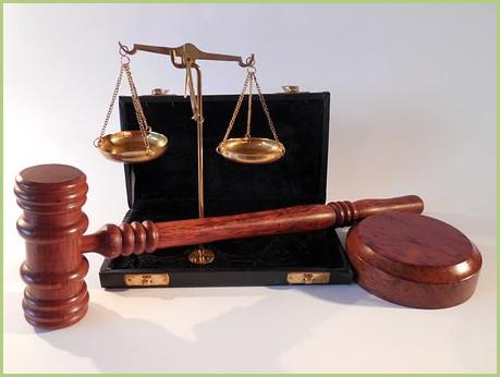 Maillet-et-balance-de-la-justice