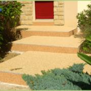 Escalier en granulats et résine